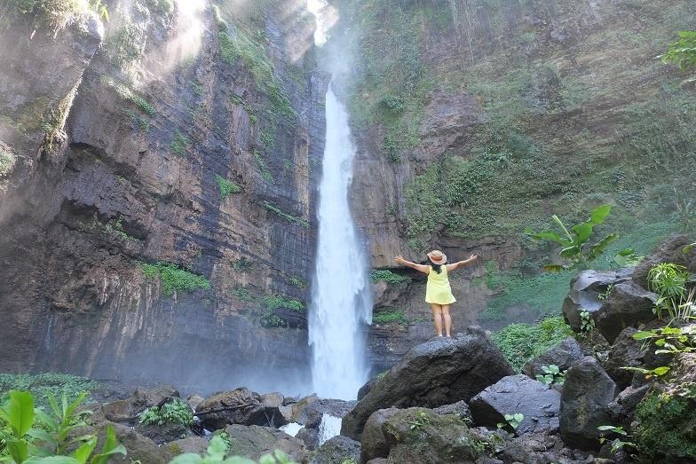kapas-biru-waterfall